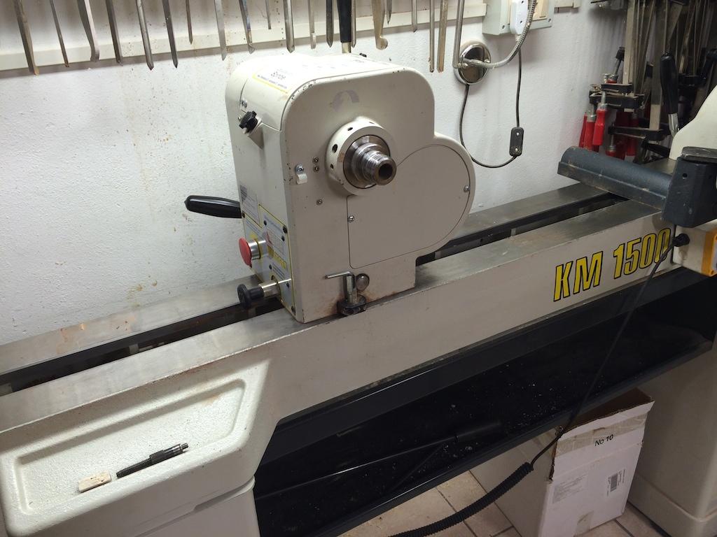 Imparare a tornire tornio killinger 1500 for Tornio per legno con copiatore usato